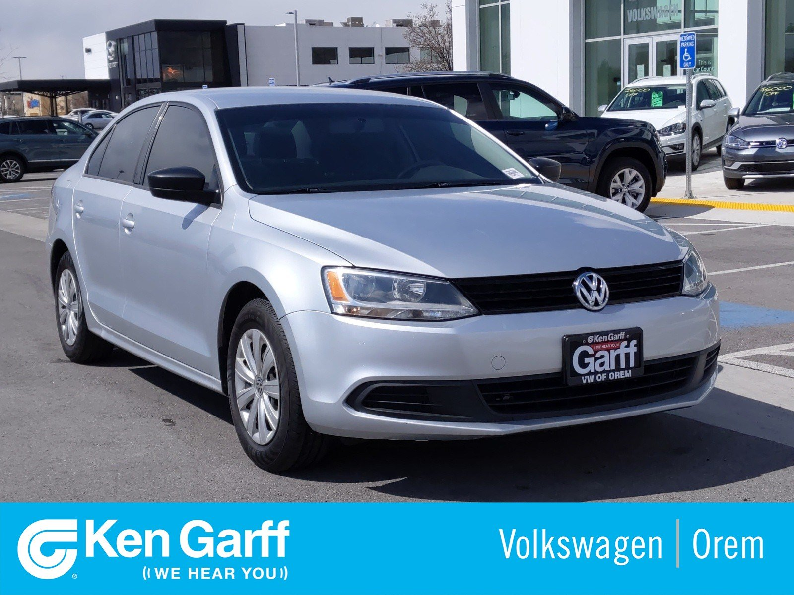 Pre-Owned 2014 Volkswagen Jetta Sedan 4DR MAN BASE