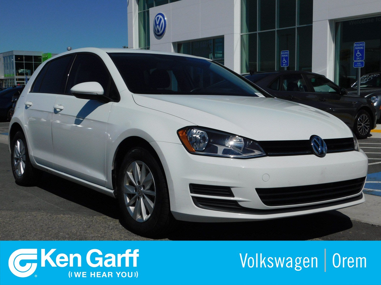 Pre-Owned 2016 Volkswagen Golf 4DR HB S AT TSI