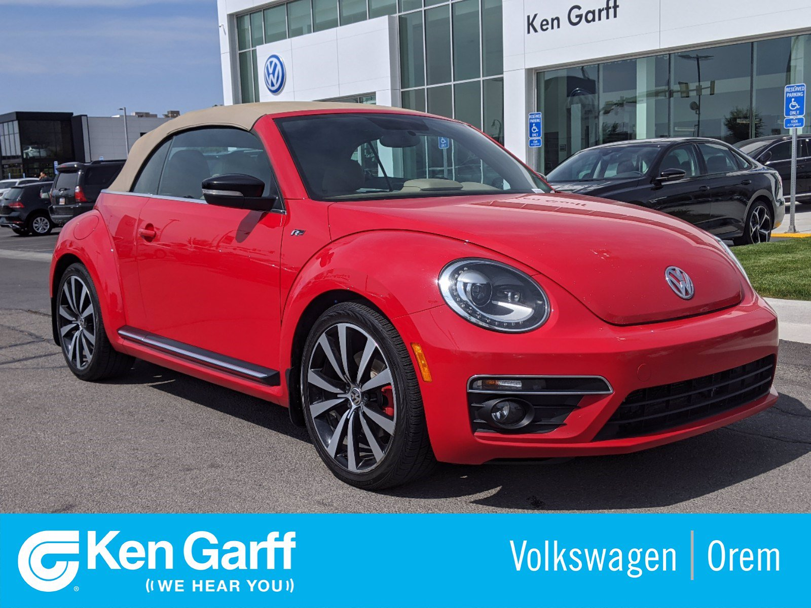 Pre-Owned 2014 Volkswagen Beetle Convertible 2DR DSG 2.0T R-LINE