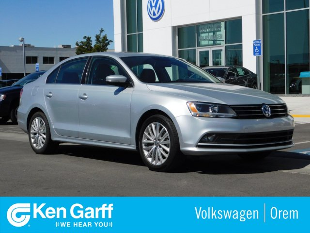 Certified Pre-Owned 2015 Volkswagen Jetta Sedan 4DR SDN SE W/CONN AT