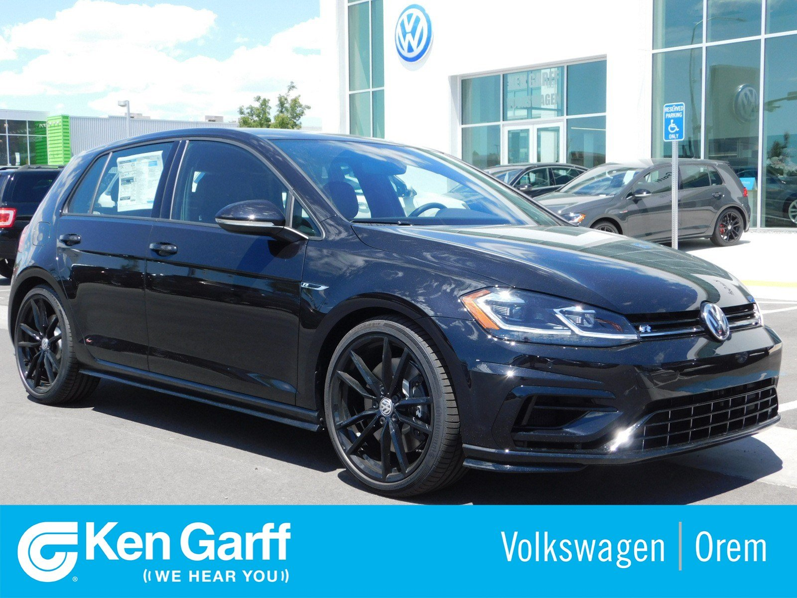 New 2019 Volkswagen Golf R W/DCC & NAV 6-SPD