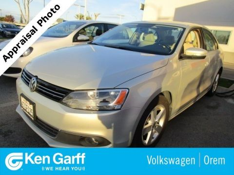 Pre-Owned 2012 Volkswagen Jetta Sedan 4DR MT DSG TDI PREM